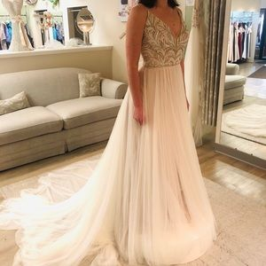 Vintage wedding dress, never worn!